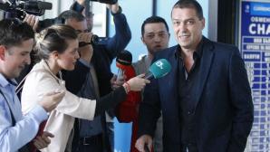 Петър Хубчев и екипа му пристигнаха в София
