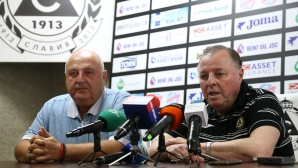 Венци Стефанов: Няма да сменям Тарханов