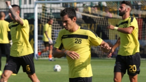 Трима българи в Кипър останаха без треньор