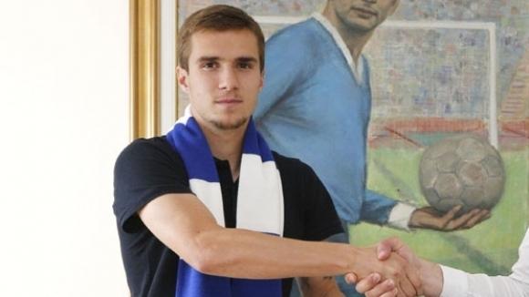 Младежкият национал Антонио Вутов официално се завърна в Левски. 21-годишният