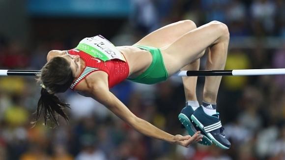 Сребърната медалистка в скока на височина от Олимпийските игри в