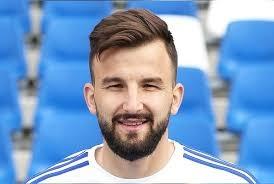 Полузащитникът Васил Панайотов подписа официално договора си с Левски. 26-годишният