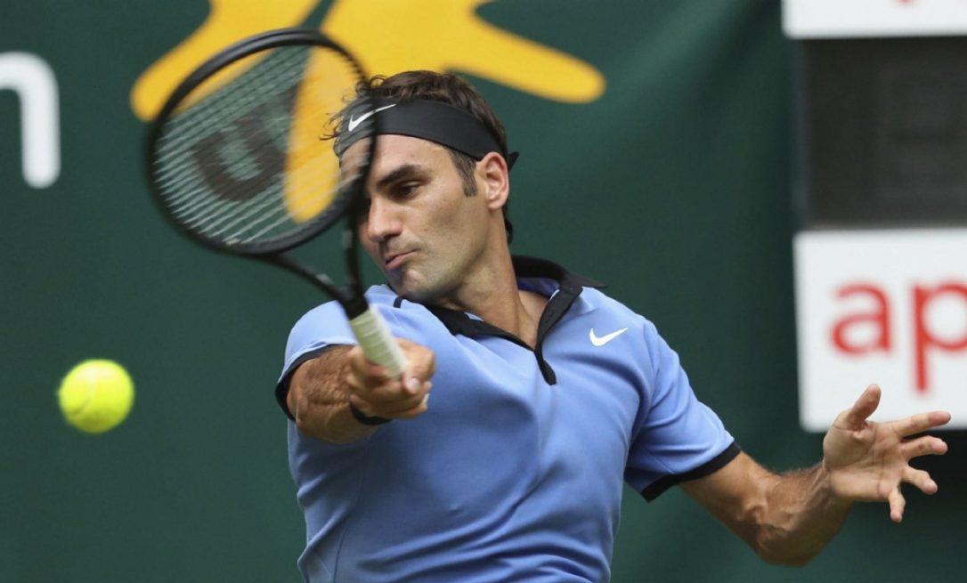 Роджър Федерер записа трета поредна двусетова победа на турнира на