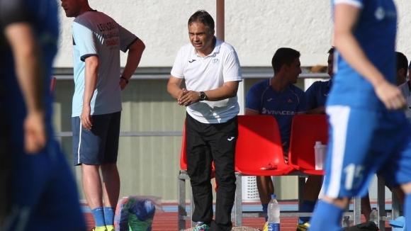 Старши треньорът на Левски Николай Митов за пореден път намекна