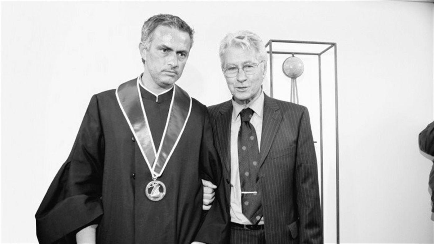 Снимка: Жозе Моуриньо загуби баща си