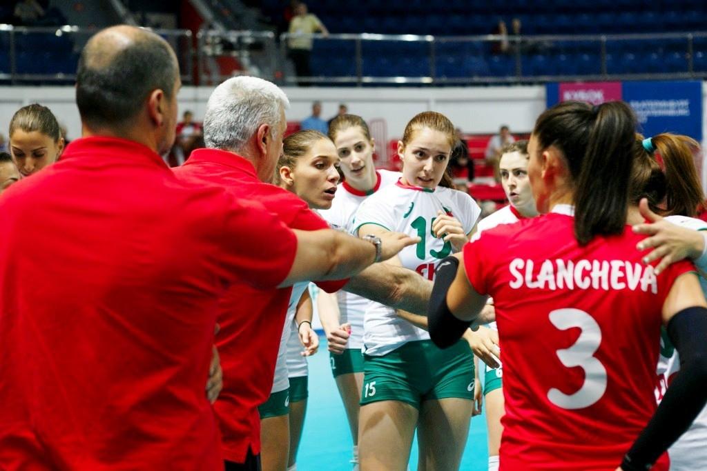 Женският национален отбор по волейбол на България започна с тежка