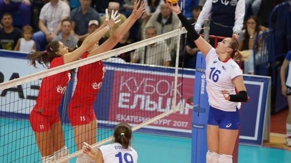 България допусна трета загуба на приятелския турнир по волейбол за