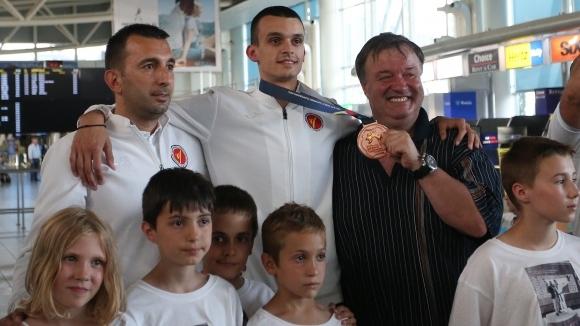 Треньорът на първия български медалист от Световно първенство при мъжете