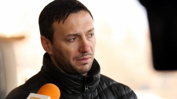 Спортният директор на Септември Георги Марков демонстрира странно поведение след