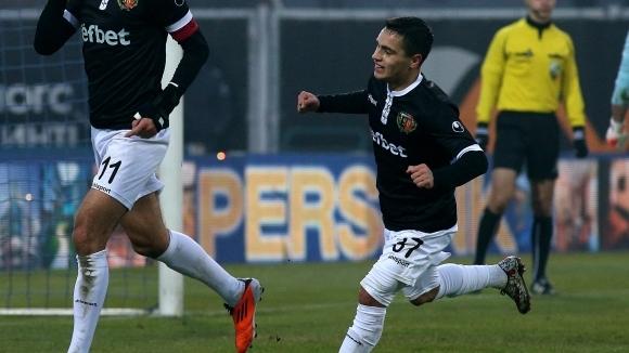 Българският юношески национал Ияд Хамуд продължава с отличните си игри