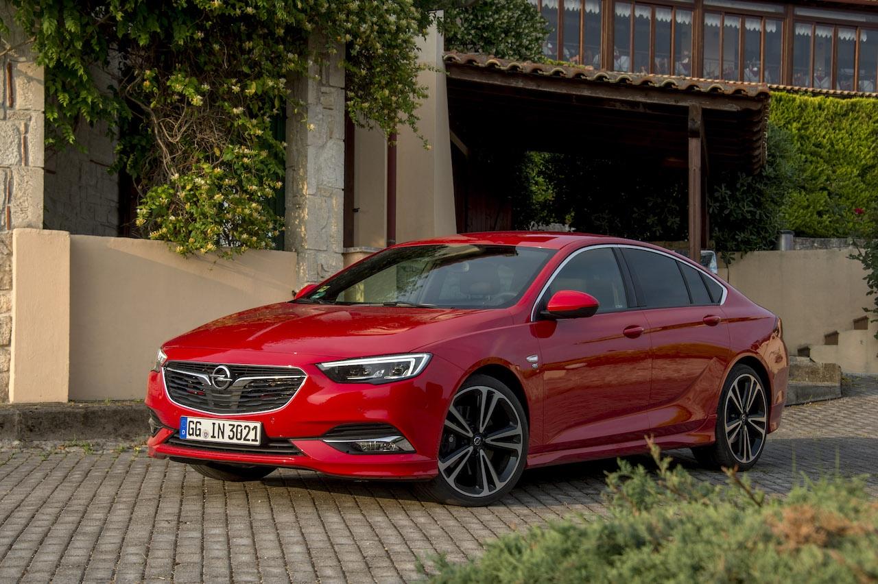 Преди осем години дойде като светлина в тунела за Opel