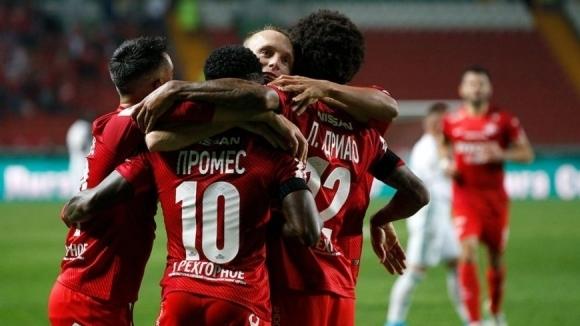 Шампионът Спартак (Москва) се наложи с 2:1 над Ахмат в