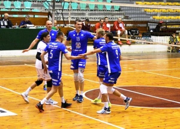 Волейболният отбор на Пирин (Разлог) постигна изключително драматична 3-а победа