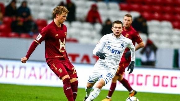 Вратарят на Динамо (Москва) Антон Шунин направи няколко ключови спасявания