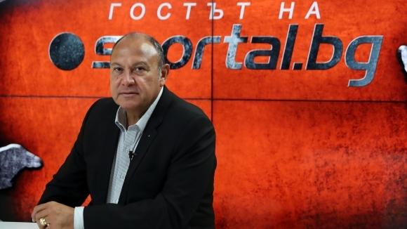 Председателят на Европейската билярд и снукър асоциация Максим Касис и