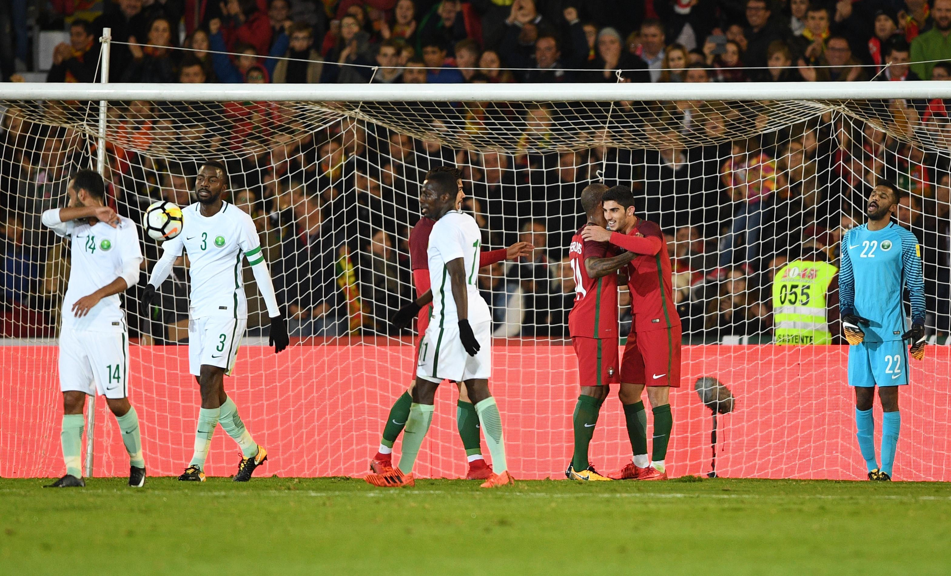 Без суперзвездата Кристиано Роналдо, Португалия разгроми с 3:0 Саудитска Арабия