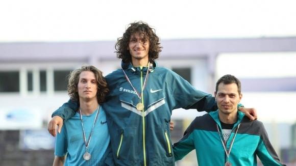 18-годишният лекоатлет Михаил Иванов подписа договор за една година със