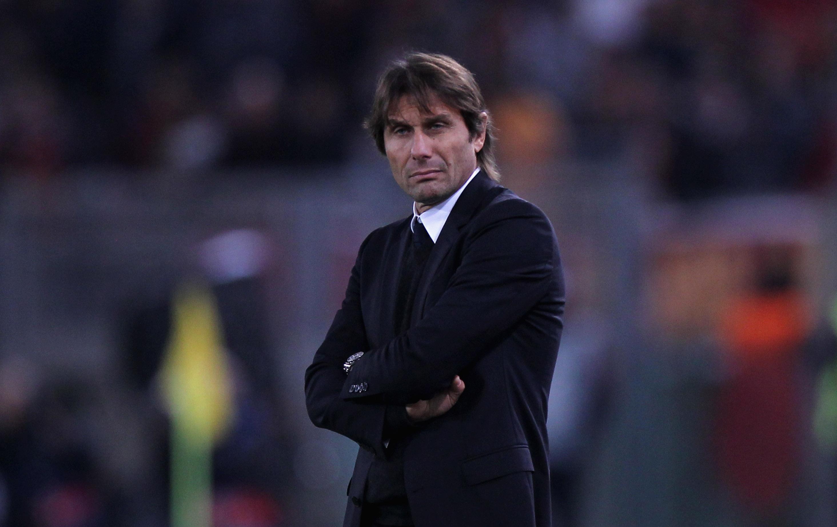 Мениджърът на Челси Антонио Конте набързо разсея слуховете, че може