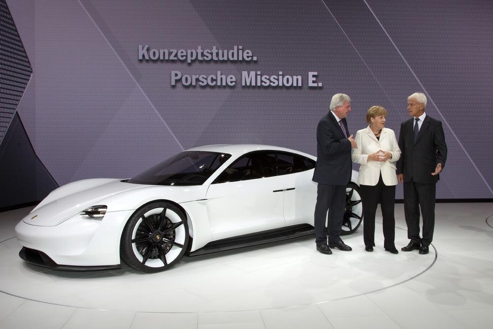 Електрическите автомобили вече се превръщат в тема номер 1 в