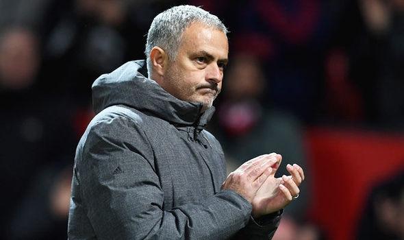 Ръководството на Манчестър Юнайтед планира да активира клаузата за продължаване