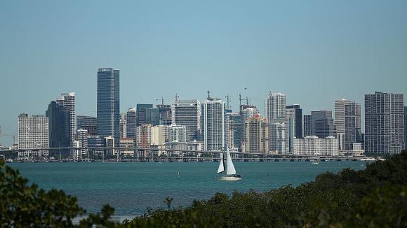 Пресата в Маями съобщава за проведена среща между кмета Френсис