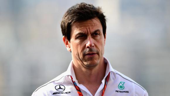 Отборът на Мерцедес във Формула 1 намекна за евентуално напускане