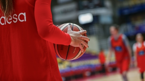 Тимът на Шампион 2006 постигна трета победа в женското баскетболно