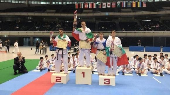 Снимка: Шест медала и абсолютната шампионска титла по карате киокушин завоюваха състезателите на БККФ в Япония
