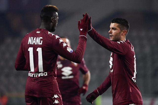 Отборът на Торино се класира за 1/8-финалите на турнира за