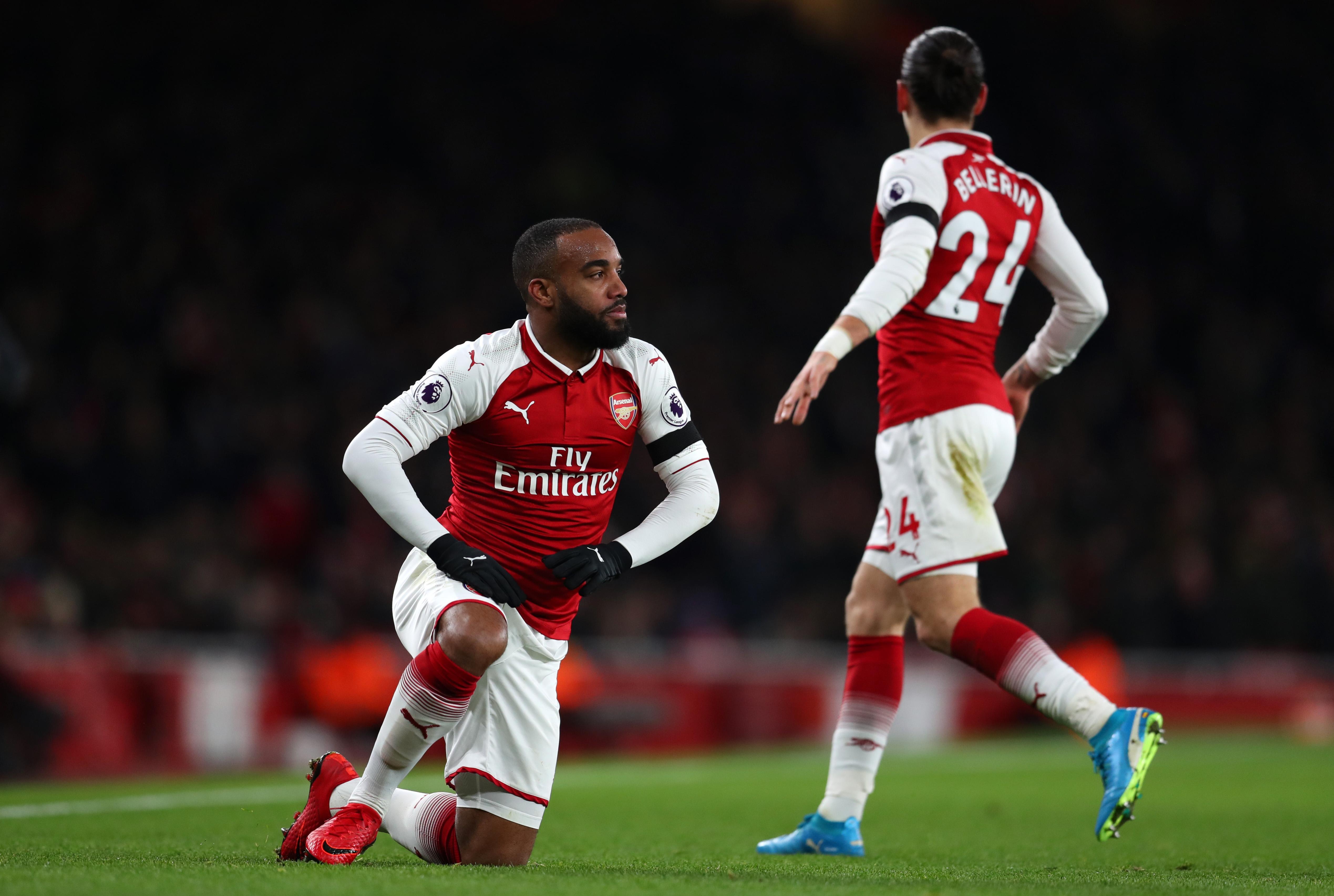 Нападателят на Арсенал Александре Лаказет ще пропусне дербито с Манчестър