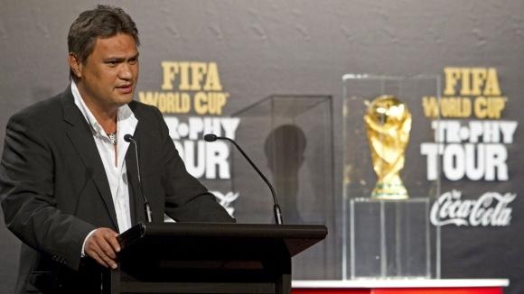 Френската полиция е разпитвала бившия вицепрезидент на ФИФА Реналд Темарии