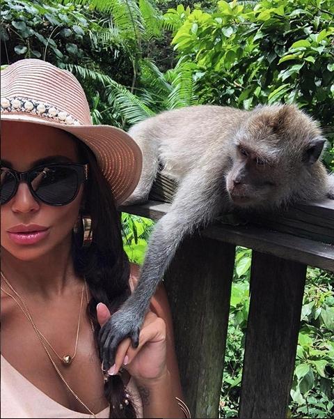 Снимка: Николета: Дори маймуните искат да ме съблекат