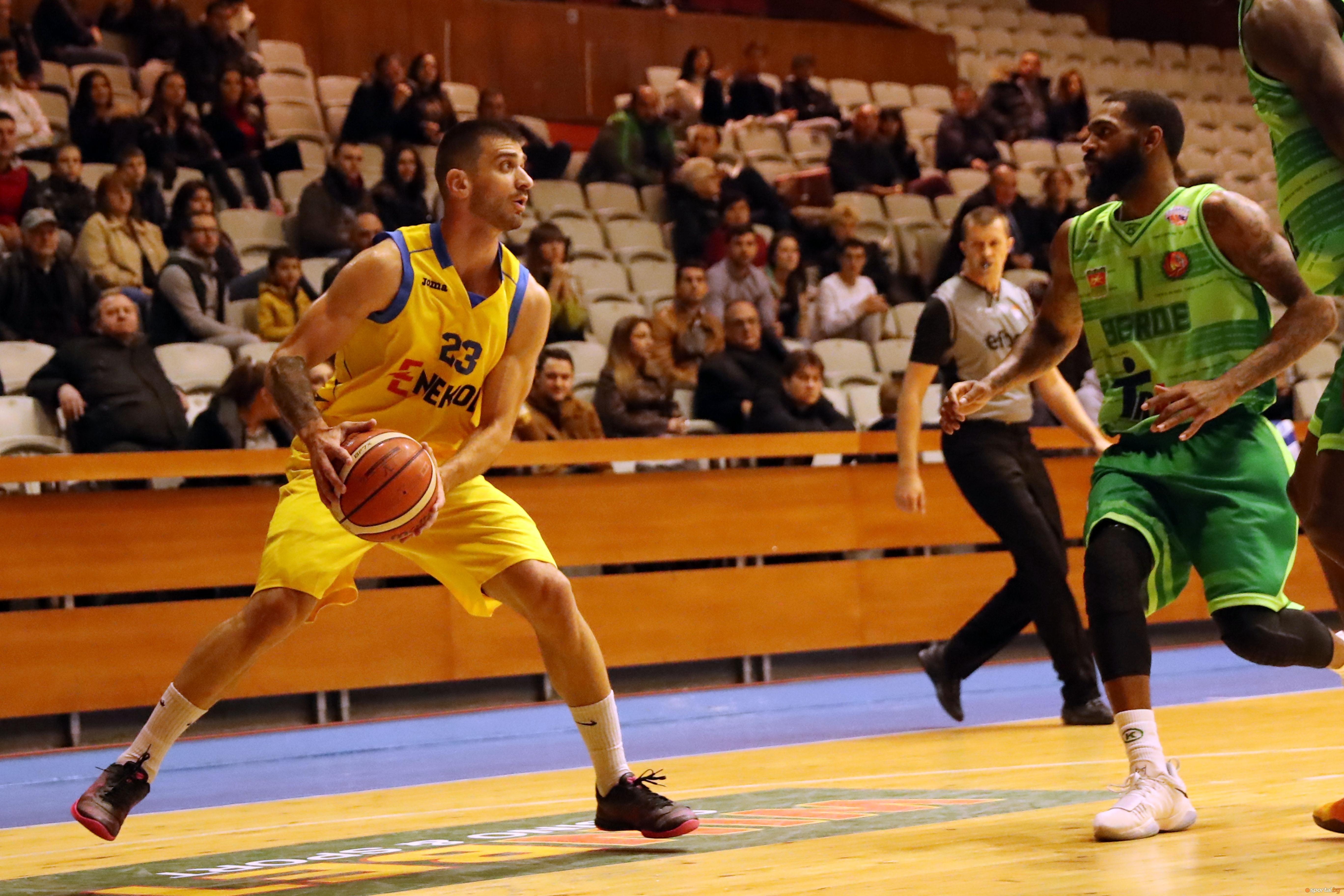 Отборът на Левски 2014 спечели дербито на VIII кръг в