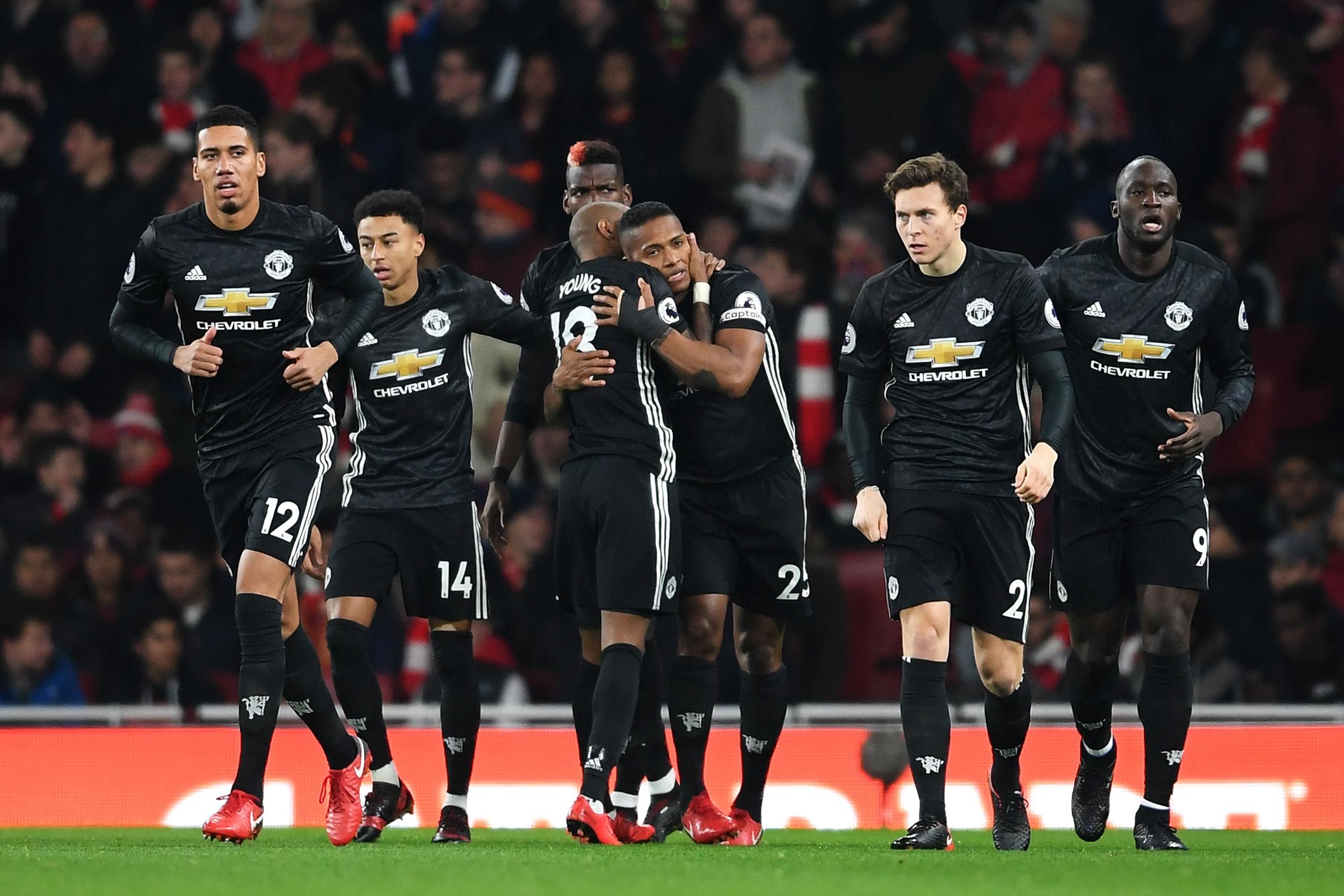Арсенал и Манчестър Юнайтед са в серия от три поредни