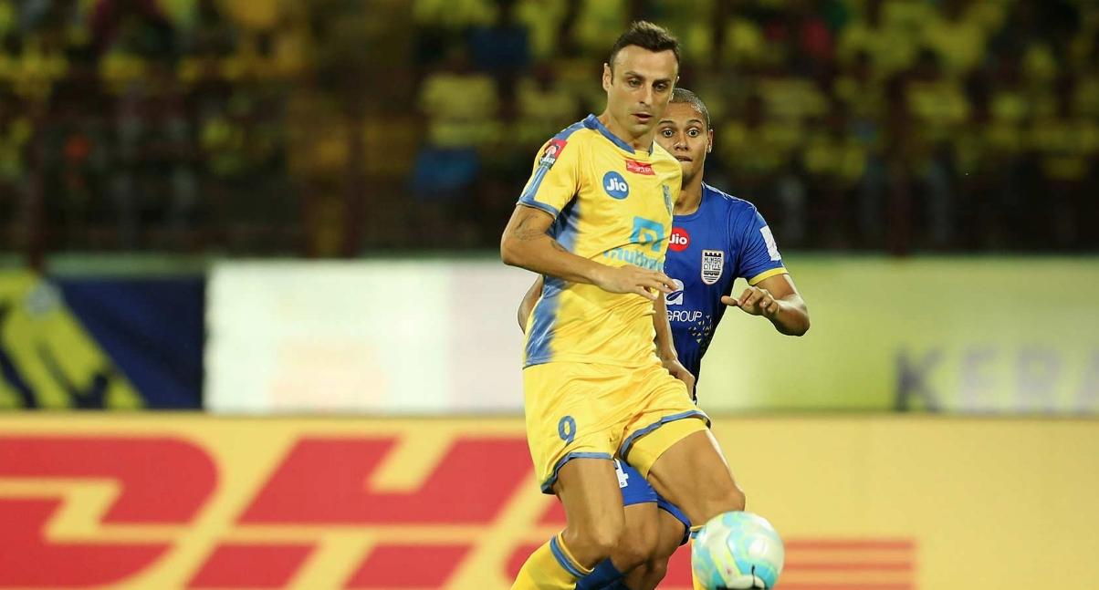 Снимка: Мач №3: Бербатов пак е титуляр за Керала