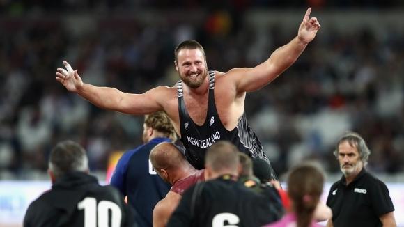Новозеландецът Том Уолш спечели световните титли в тласкането на гюле