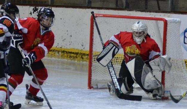 Националният ни отбор по хокей за жени загуби с 0:4