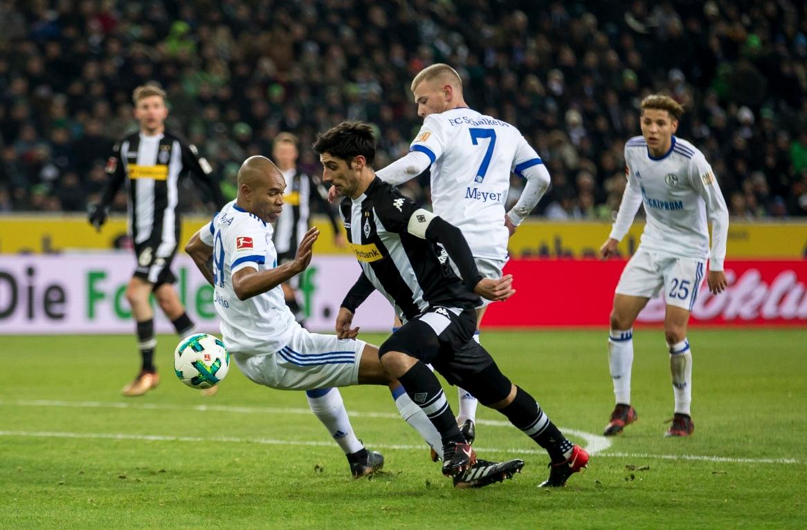 Борусия (Мьонхенгладбах) и Шалке 04 изиграха един от най-стойностните мачове