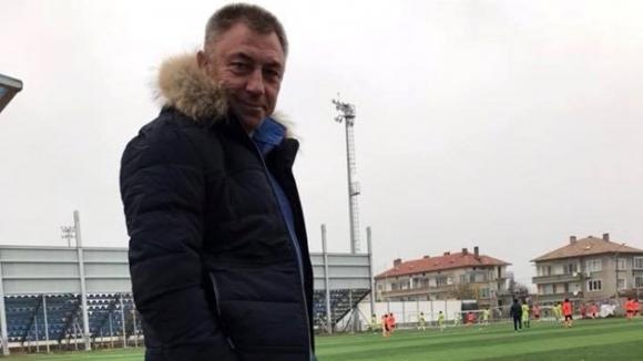 Футболната легенда Божидар Искренов изкара три месеца като треньор на