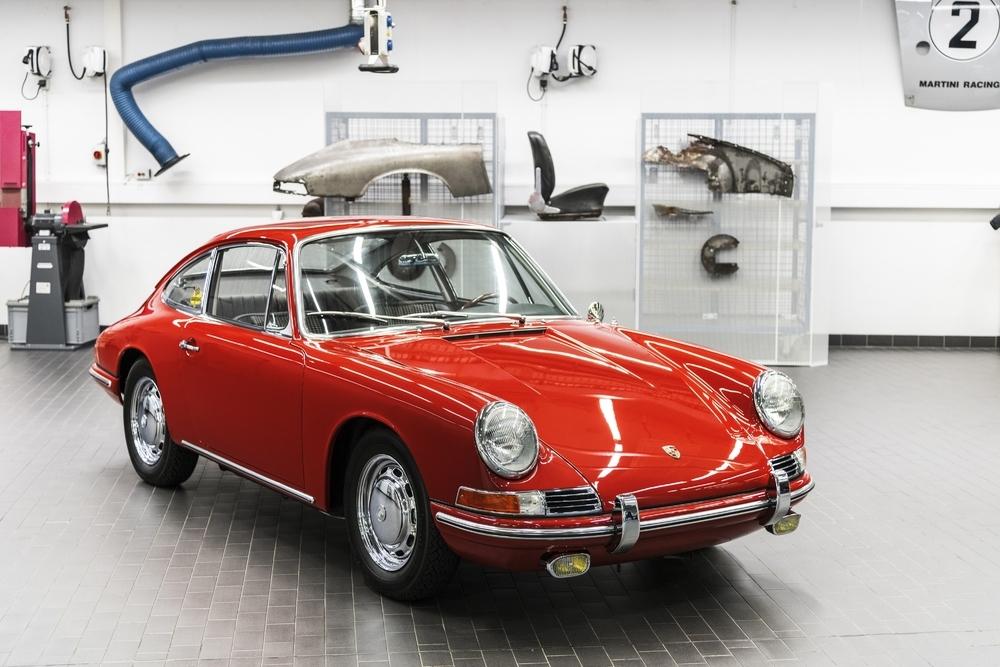 След 3 години на реставрация музеят на Porsche постави на