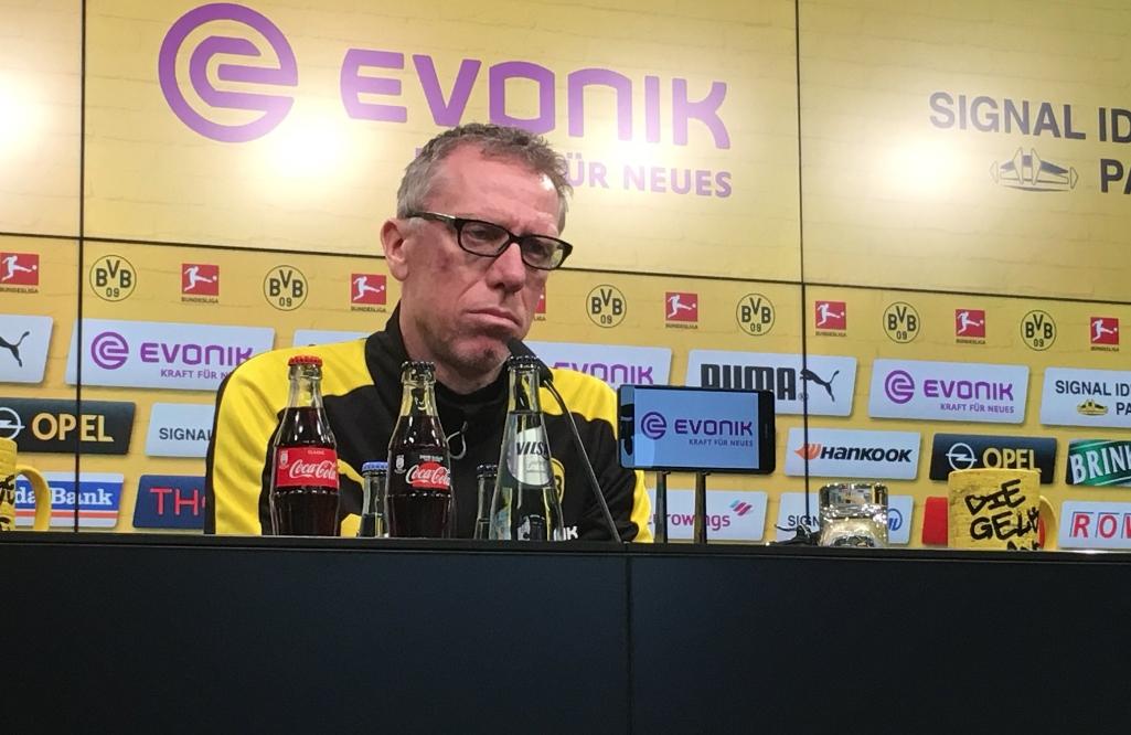 Новият старши треньор на Борусия (Дортмунд) Петер Щьогер гледа на