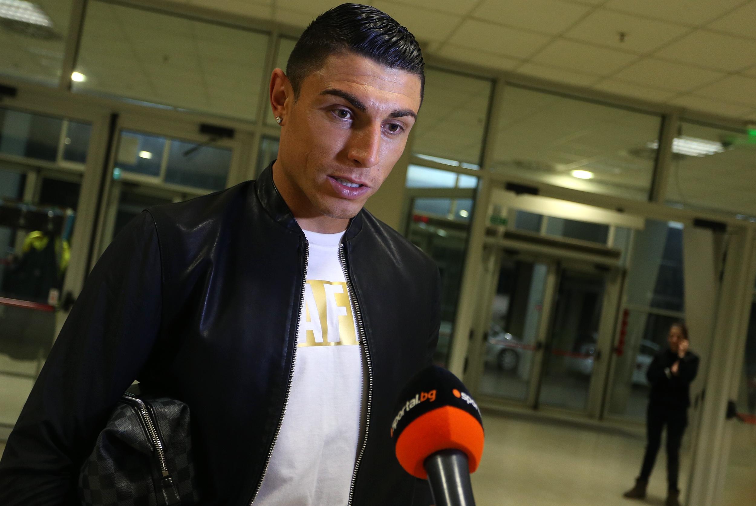 Бившият футболен национал на България Даниел Златков и певецът, актьорът,