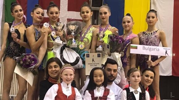 Общо 12 медала спечелиха българските състезателки при девойките и при