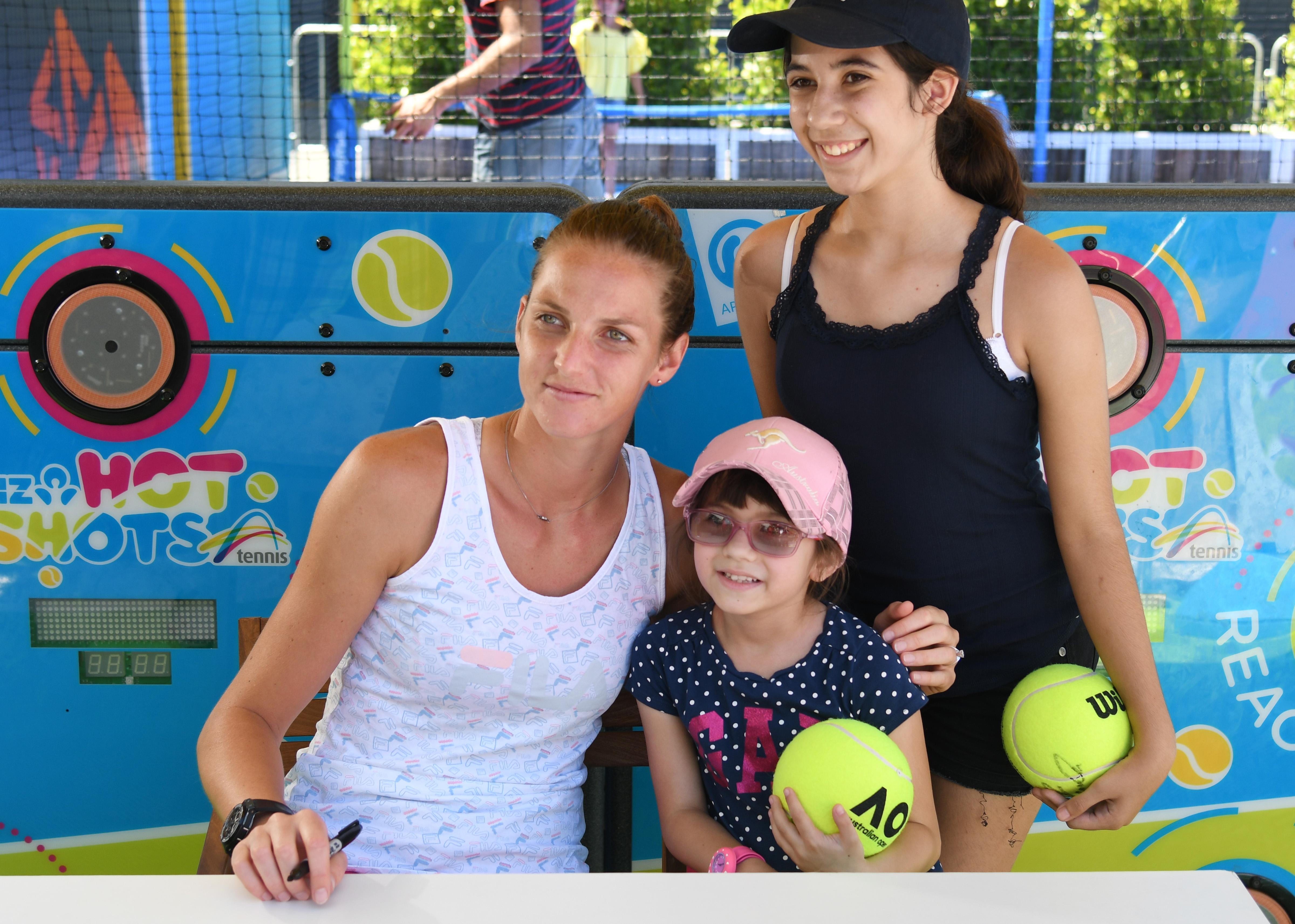 Каролина Плишкова ще дари по 100 долара на благотворителна организация