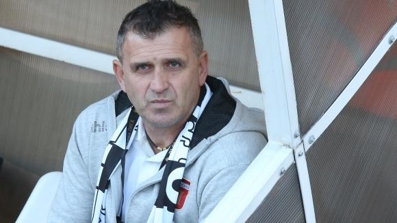 Старши треньорът на Локомотив (Пловдив) Бруно Акрапович бързо разкри тримата