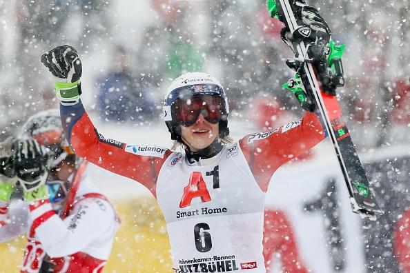 Хенрик Кристоферсен постигна първа победа за сезона, като спечели слалома