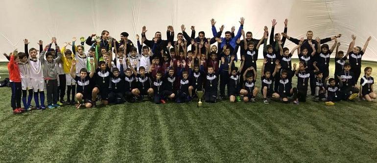 Спортна Академия Ивелин Попов организира и провежда тренировки по футбол