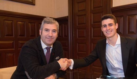 Вратарят на Атлетик Билбао Кепа Арисабалага официално подписа нов договор