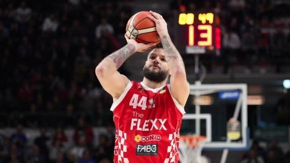 Българинът Деян Иванов игра само 10 минути за тима на