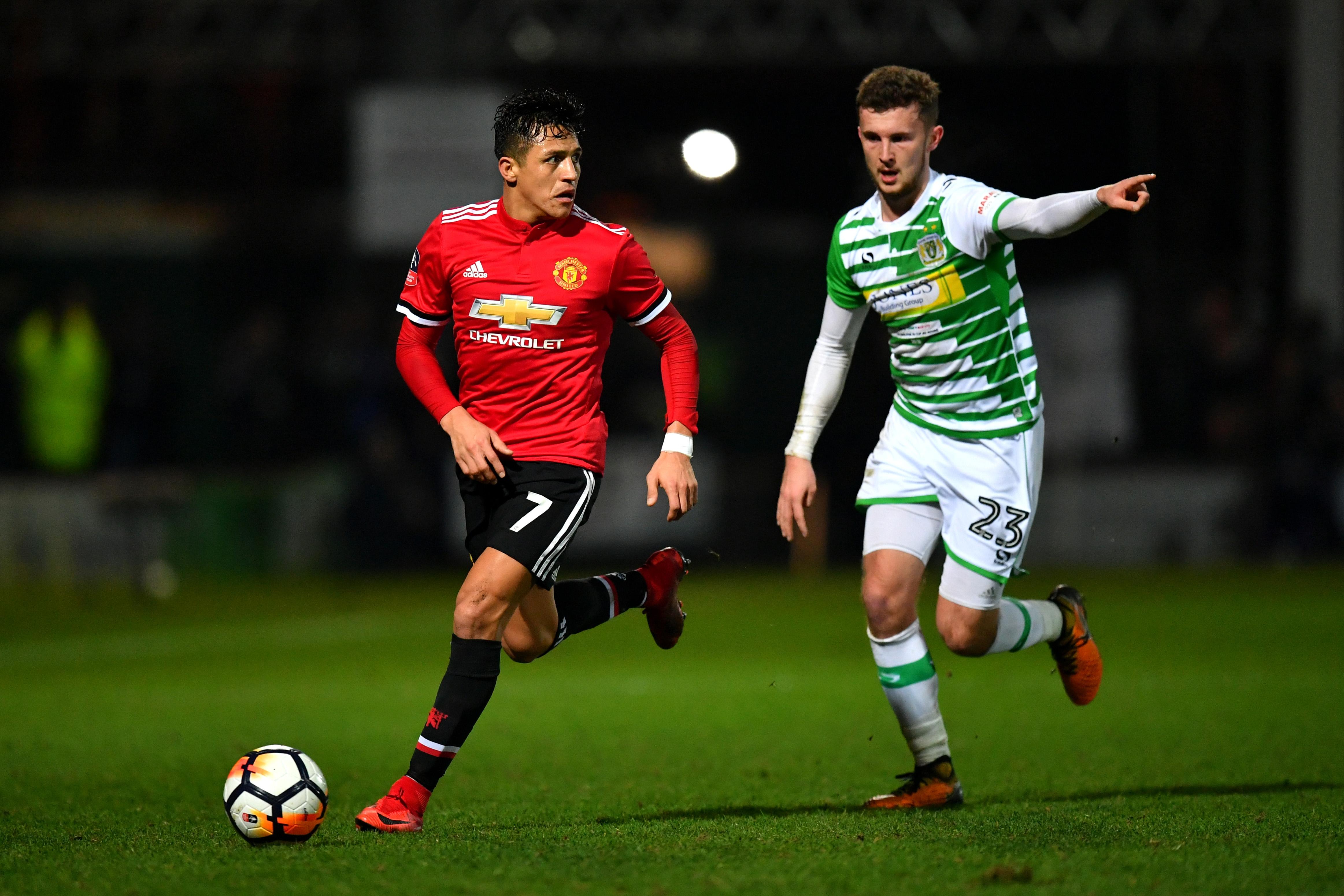 Английският гранд Манчестър Юнайтед разгроми с 4:0 като гост представителя